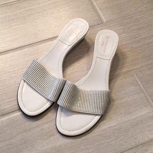 Liz Claiborne Flex White Sandal, 8.5M
